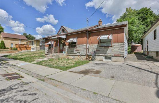 23 HUFF Avenue, Brantford, Ontario N3R 2A2